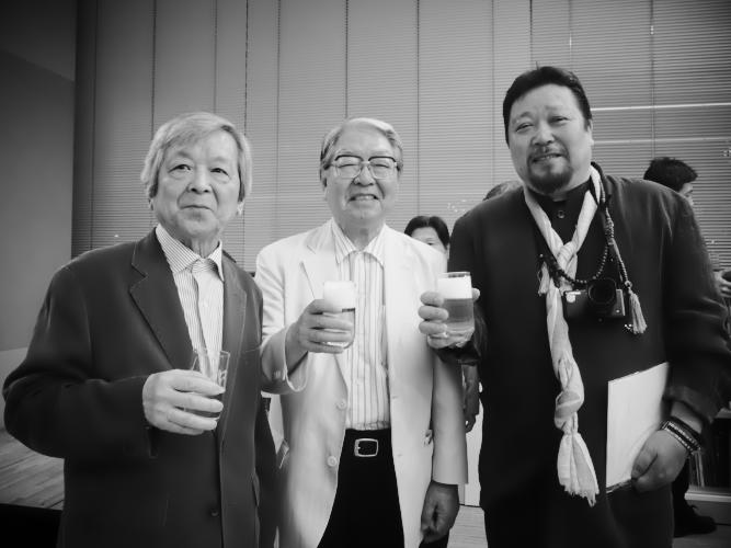 パーティ会場で。丹野、細江両大先輩と若輩のわたくしです   (photo:T.shiozaki)