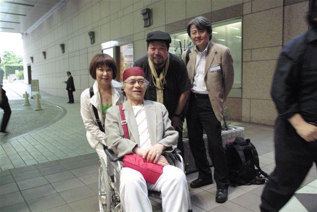 写真家竹内敏信、西潟昭子夫妻とフォトエディターの板見浩史さんと(5月23日・東京都写真美術館)