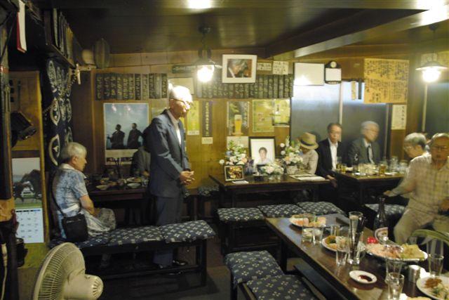 俳句結社「獐」主宰、故高島征夫さんを偲ぶ会が故人ゆかりの場所、新宿「ぼるが」でしめやかにおこなわれた。