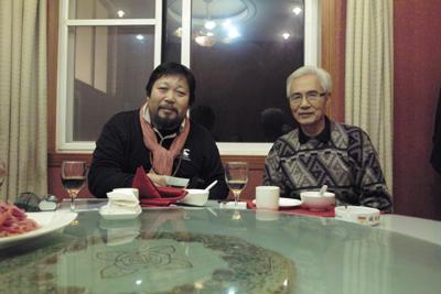3年前の旅で同行した元漢中博物館館長で三国研究家の徐鴻藻さんと再会できた(12月13日)